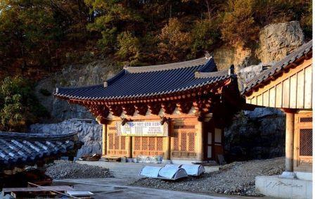 Храм Тосонса 도선사