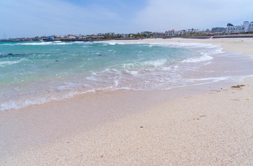 Пляж Квакджи (о. Чечжу) 곽지과물해변